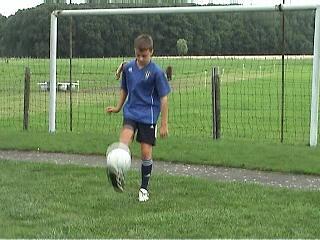 picturevoetbalhuiswerk - devoirdefoot - footballhomework